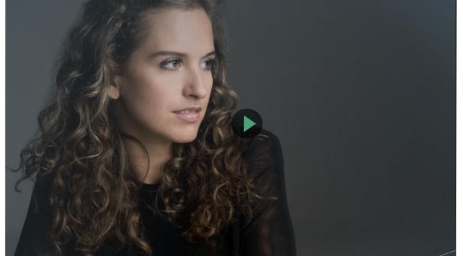 Oficial website of the actrees Genoveva Caro