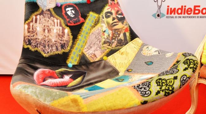 Tina Neumann exhibe sus muebles en la Premiere de The Wolfpack  en INDIEBO